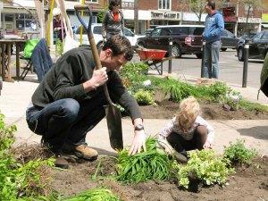 Peninsula Garden May 2012 - Now We're Planting!